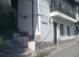 Квартира Въстаническа