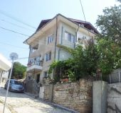 House Emi