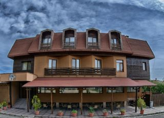 Хотел K2