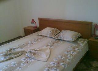 Апартамент Манови