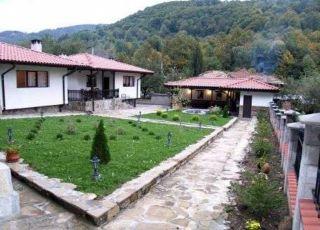 Къща Трите къщи