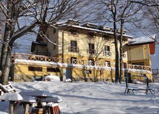 Семеен хотел Балканци