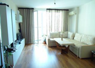 Апартамент Зари