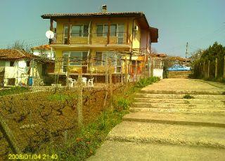 Къща DiSto