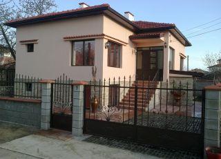 Къща Каварна Хилс