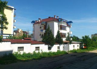 Семеен хотел Бялата Къща