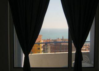 Апартамент С изглед море