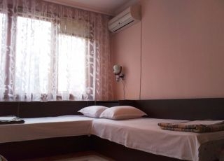 Квартира Божура