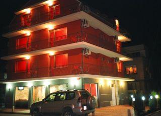 Семеен хотел Ели