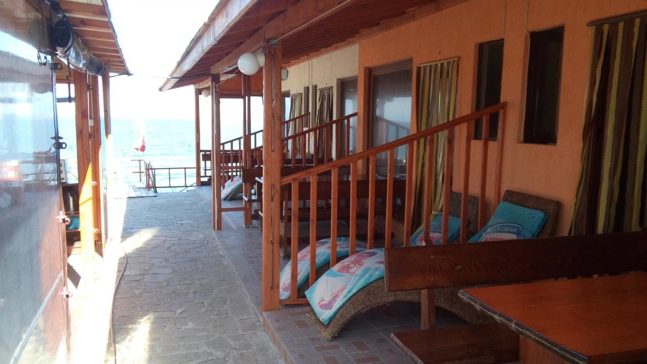 fd75f7bcf8a Бунгало На брега на морето в Черноморец на цени от 50 лв, отзиви, снимки,  информация - Почивка.бг