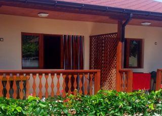 Къща и Самостоятелни стаи Бриз