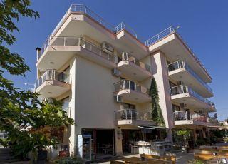 Хотел Карел
