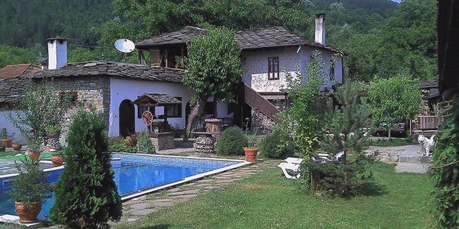 Къща АлексКрис