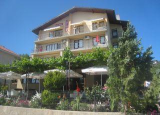 Семеен хотел Омирос