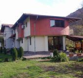 House Mirela