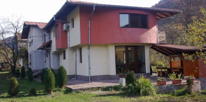 Къща Мирела
