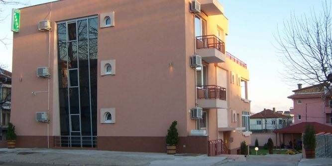 Семеен хотел Kедъра