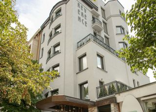 Хотел Реверанс