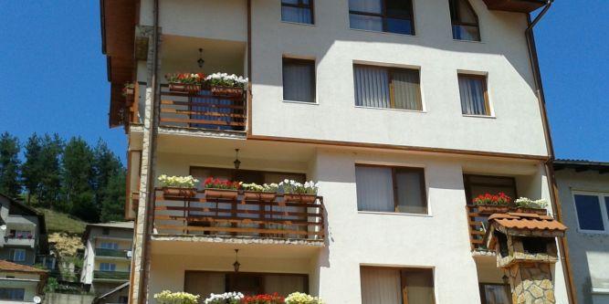 Семеен хотел Вероника