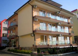 Семеен хотел Пинкови