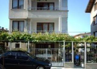 Семеен хотел Антонови