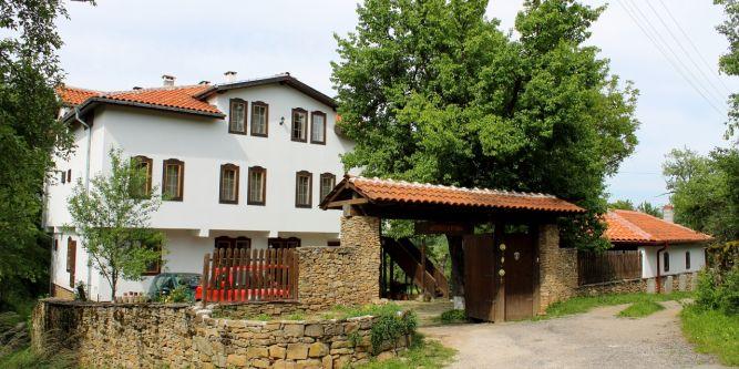 Данината къща