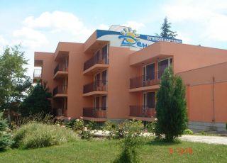 Хотел Деница