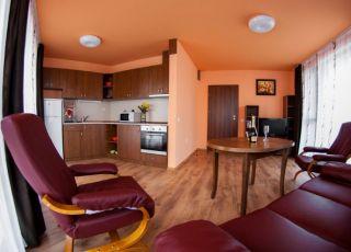 Апартамент Нощувки-център