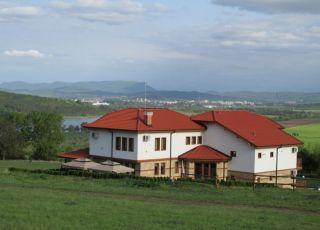 Къща Рая