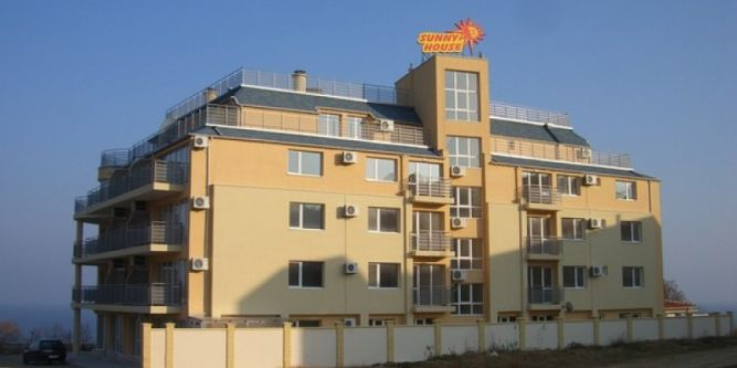 Апартамент Съни Хаус