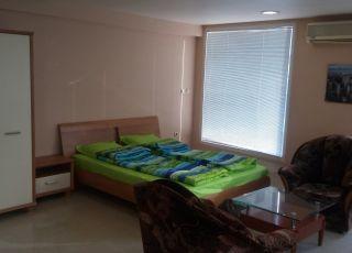 Апартамент луксозно студио за нощувки и п