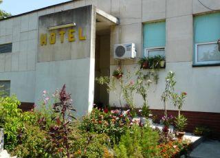 Семеен хотел Роди