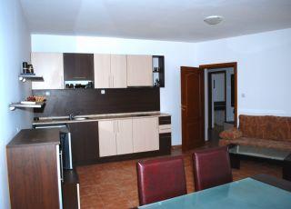 тристаен апартамент Касандра 1