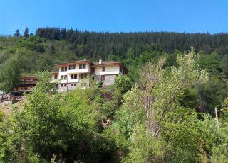 Семеен хотел Беденски Бани