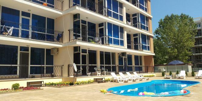 Апарт хотел Самър лайф