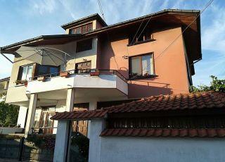 Фамилна къща Ганови