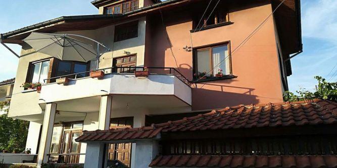 Къща Ганови