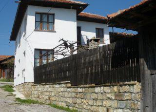Попската къща