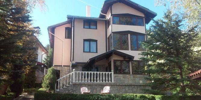 Къща Камена