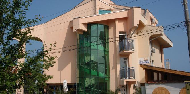 Семеен хотел Морско Конче