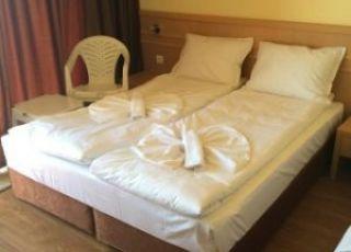 Квартира - стая за трима в Несебър цент