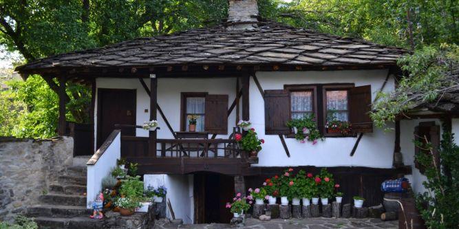 Къща Старият орех