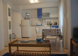 Синият апартамент