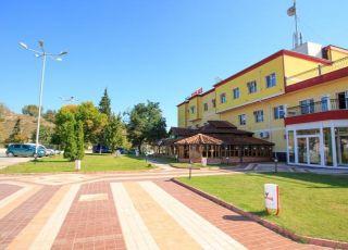 Хотел Карелия