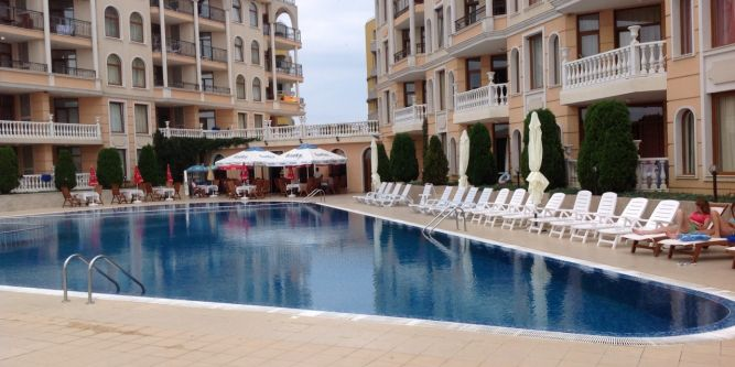 Апартамент в комплекс Аполония Палас