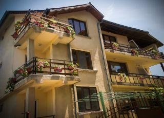 Семеен хотел Вила Дора
