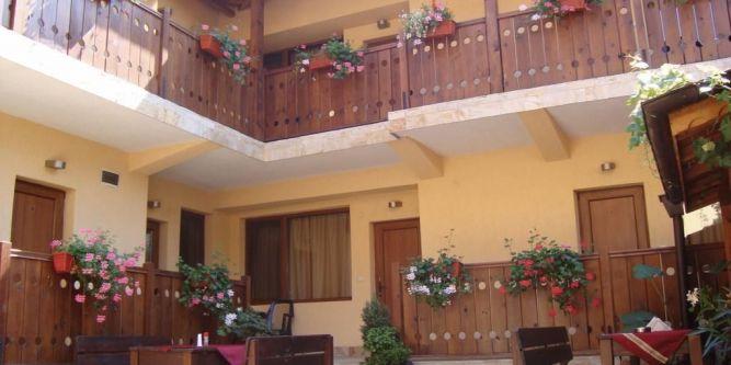 Къща Кадева Пажоко