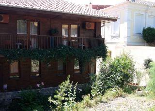 Къща за гости Теневи
