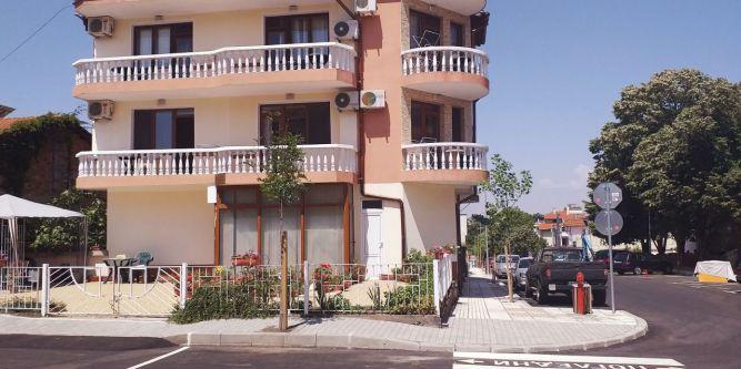 Къща Петрови