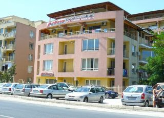 Хотел Палм Корт Крим